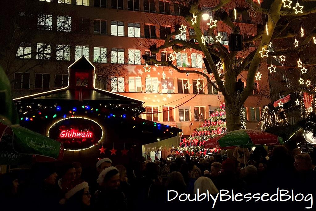 Zürich mit Kindern an Weihnachten - Singing Christmas Tree