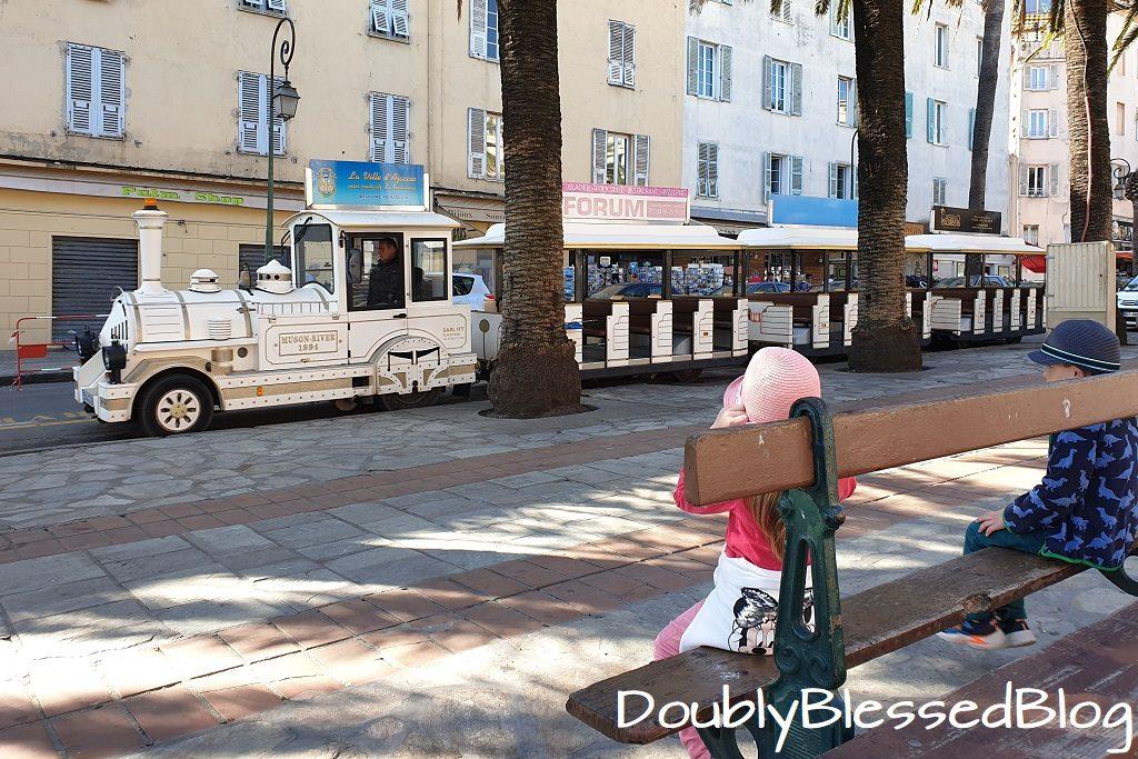 """Bimmelbahn """"Petit Train d'Ajaccio"""" - Korsika - Mittelmeer mir Kindern"""