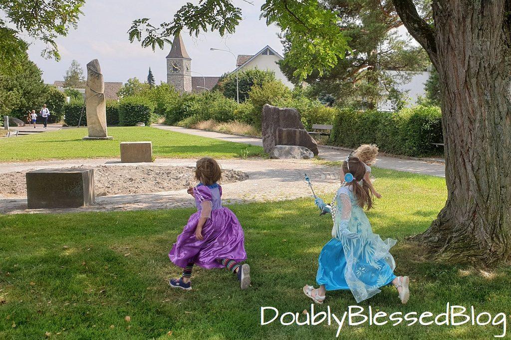 Elsa Fangen im Park an der Prinzessinnenparty